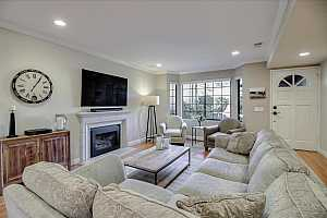 More Details about MLS # ML81816339 : 717 UNIVERSITY AVE