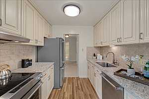 More Details about MLS # ML81861478 : 821 N HUMBOLDT ST 411
