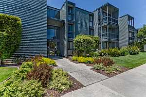 Browse active condo listings in ANCHOR ROAD