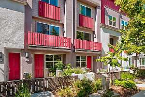 Browse active condo listings in STATION 121